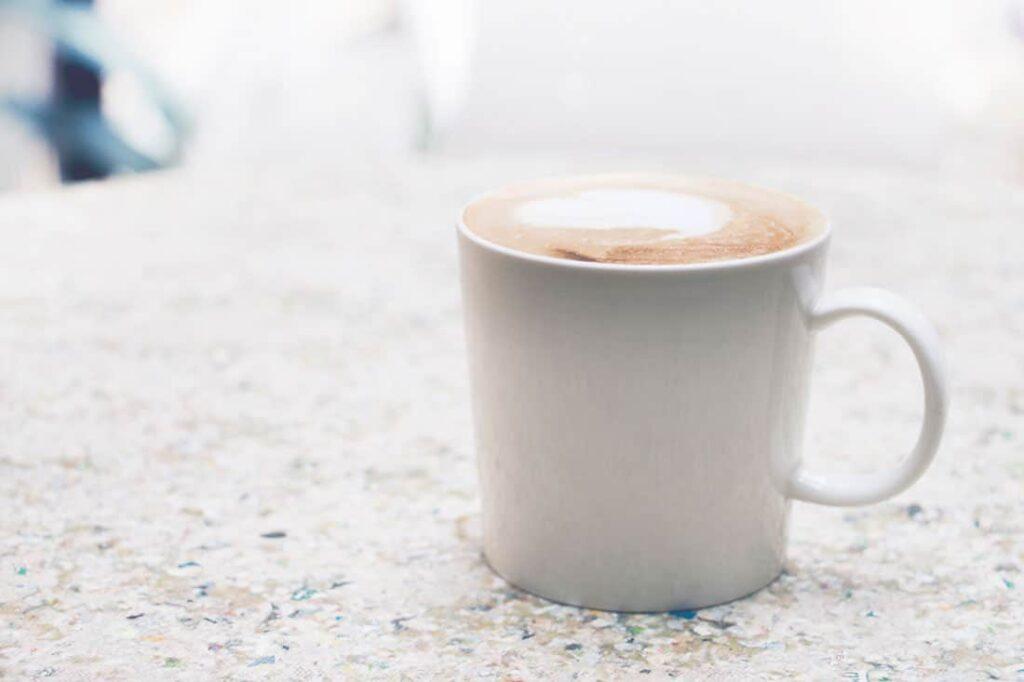 cafe empêche de dormir