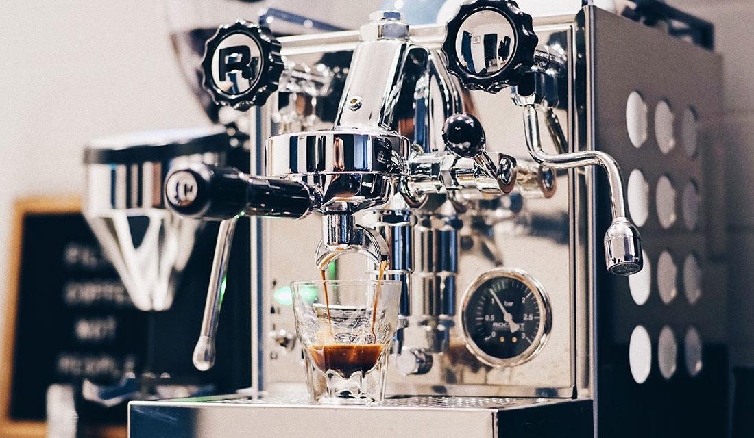 Comparatif des meilleures cafetières expresso : Avis Rédaction et Avis Conso, Guide d'Achat, FAQ