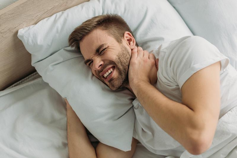 torticolis avec ou sans oreiller ?