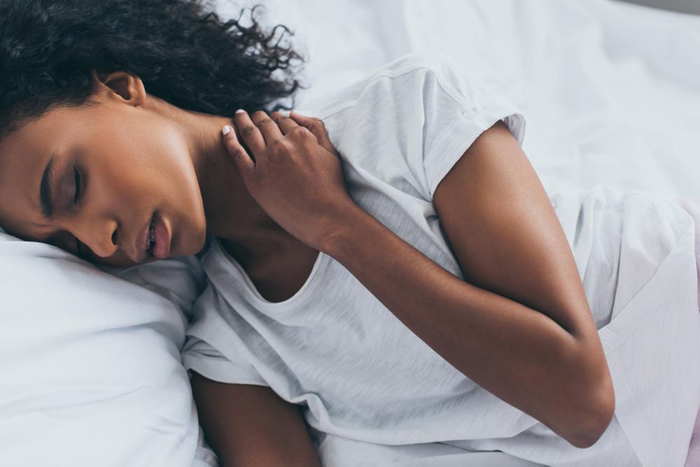 soulager les cervicales en dormant